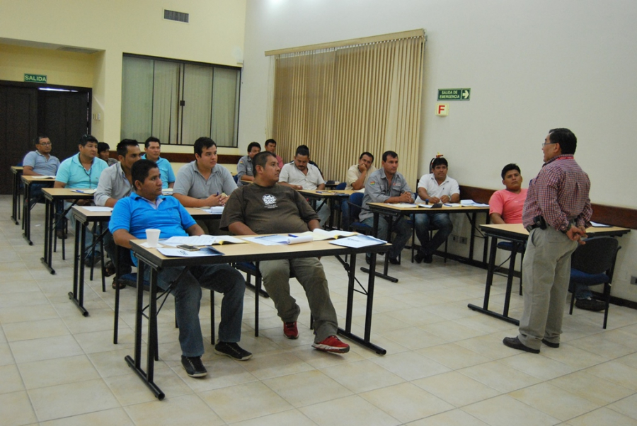 SE REALIZÓ CURSO DE MANEJO PARA OPERADORES DE CAMIONES